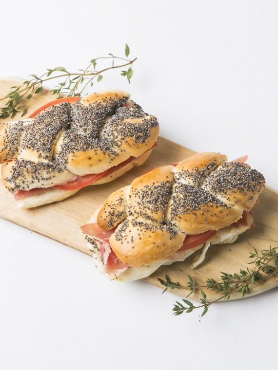 16 Pancitos - Sandwichería 112